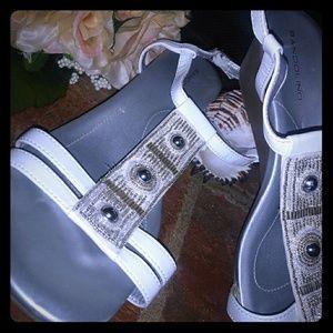 Bandolino sandals, sz 9.5,